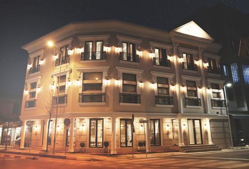 斯特拉中心酒店 - 地拉那 - 建筑