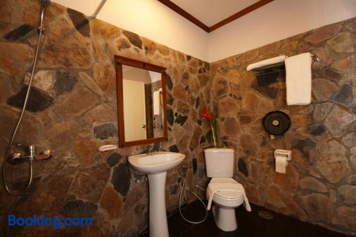 沙拉海滩度假酒店 - 帕岸岛 - 浴室
