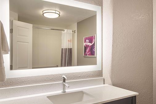 亚特兰大普瑞米特医疗中心拉金塔套房酒店 - 亚特兰大 - 浴室