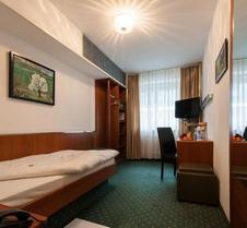 乌恩基尔酒店