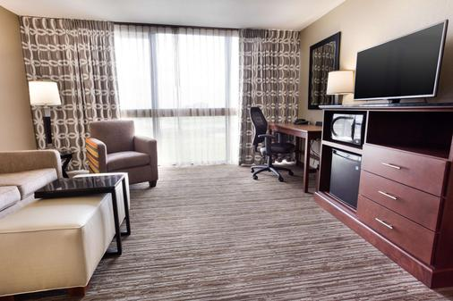德鲁里套房酒店堪萨斯城机场店 - 堪萨斯城 - 睡房