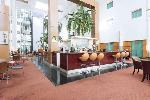 阿罗拉盖特威克/克劳利酒店 - 克劳利 - 酒吧
