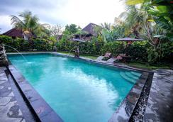 巴厘岛梦幻度假酒店 - 乌布 - 游泳池