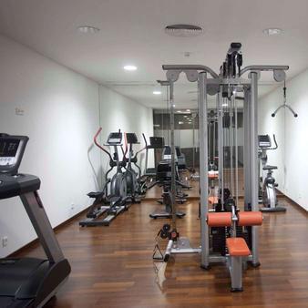 卡利斯玛丽内达酒店 - 拉科鲁尼亚 - 健身房