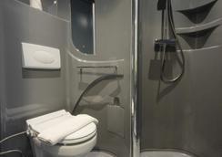 Pop!雅加达机场酒店 - 当格浪 - 浴室