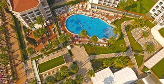 理想普莱姆海滩式酒店 - 马尔马里斯 - 游泳池
