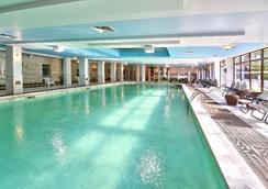 艾斯特里亚宫酒店 - 圣君士坦丁和海伦那 - 游泳池