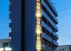 946酒店 - 钏路市 - 建筑