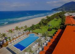 马利西亚斯海滩酒店 - 马尔塞尔 - 游泳池
