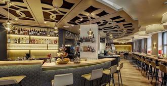卡斯卡达瑞士品质酒店 - 卢塞恩 - 酒吧