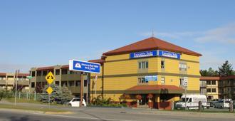 安克雷奇机场美洲最佳价值行政套房酒店 - 安克雷奇 - 建筑