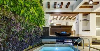 威斯达玛莉娜盖斯特波达民宿酒店 - 仅供成人入住 - 卡塔赫纳 - 游泳池