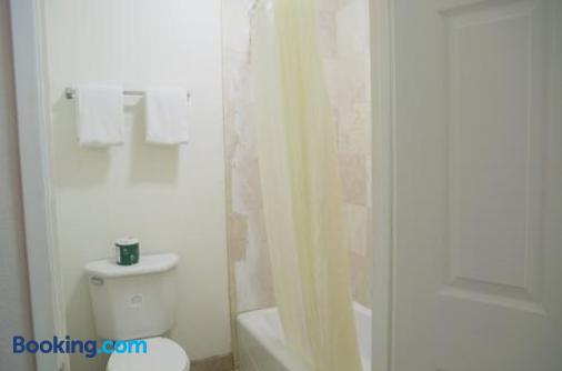 好莱坞/洛杉矶美国最有价值旅馆 - 洛杉矶 - 浴室