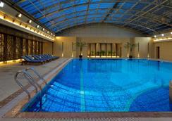上海新世界丽笙大酒店 - 上海 - 游泳池