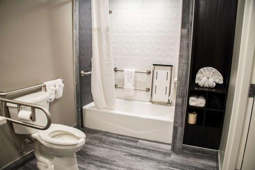 圣克拉拉硅谷贝斯特韦斯特普拉斯修尔住宿酒店 - 圣克拉拉 - 浴室
