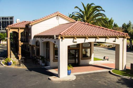 圣克拉拉硅谷贝斯特韦斯特普拉斯修尔住宿酒店 - 圣克拉拉 - 建筑