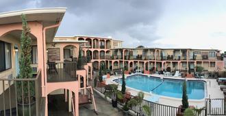 代托纳圣马瑞娜汽车旅馆 - 代托纳海滩 - 游泳池