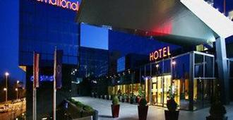 国际酒店 - 萨格勒布 - 建筑