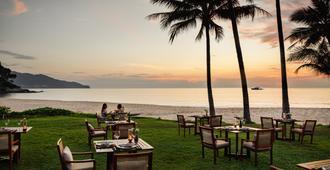 普吉岛苏林酒店 - Choeng Thale - 睡房