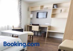 邦尼克斯寄宿公寓酒店 - 波恩(波昂) - 睡房