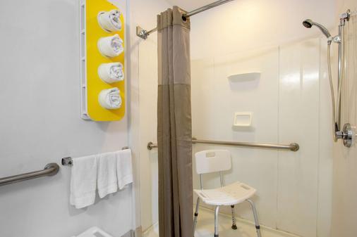 埃尔帕索东南6号汽车旅馆 - 埃尔帕索 - 浴室
