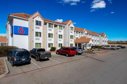埃尔帕索东南6号汽车旅馆 - 埃尔帕索 - 建筑