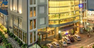 梅拉瓦伊阿莫斯舒适酒店 - 南雅加达 - 建筑