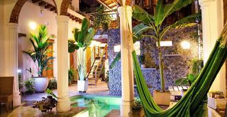 卡萨福尔德酒店 - 圣玛尔塔 - 游泳池