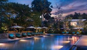 希尔洛克斯酒店及Spa - 暹粒 - 游泳池