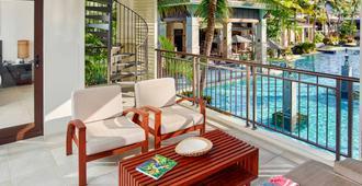 道格拉斯港海神庙铂尔曼水疗度假酒店 - 道格拉斯港 - 阳台