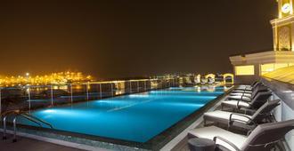 高知自然芬芳 - 经典五星酒店 - 科钦 - 游泳池
