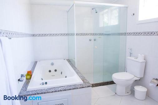 马贝拉旅馆 - 布希奥斯 - 浴室