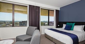 曼特拉麦克阿瑟酒店 - 堪培拉 - 睡房