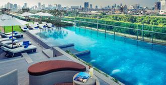 曼谷玛卡萨美居酒店 - 曼谷 - 游泳池