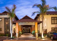 巴厘岛别墅精品酒店 - 布隆方丹 - 建筑