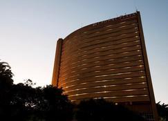 莫諾莫塔帕飯店 - 哈拉雷 - 建筑