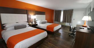 加特林堡市中心约翰逊酒店 - 加特林堡 - 睡房