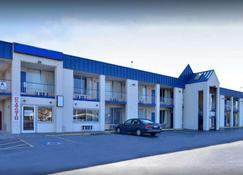 兰伯顿骑士酒店 - 兰伯顿 - 建筑