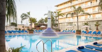 H 顶级普特拉哈公园酒店 - 萨卡罗 - 游泳池