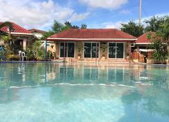 D号家庭旅馆 - 梭桃邑 - 游泳池