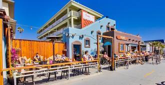 冲浪者海滩酒店 - 圣地亚哥 - 建筑