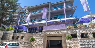 布图瓦公寓式酒店 - 布德瓦 - 建筑