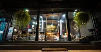 苏克站酒店 - 曼谷 - 建筑