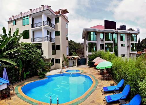 绿山酒店 - 阿鲁沙 - 游泳池