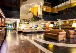 蒙特雷克里斯塔尔酒店 - 蒙特雷 - 大厅