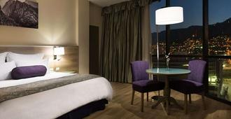 蒙特雷克里斯塔尔酒店 - 蒙特雷 - 睡房