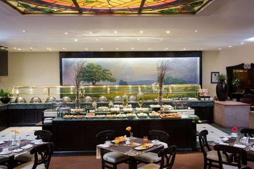蒙特雷克里斯塔尔酒店 - 蒙特雷 - 自助餐