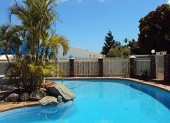 棕榈谷汽车旅馆 - 格拉德斯通 - 游泳池