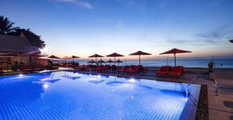 古铜度假酒店&Spa - 美奈 - 游泳池