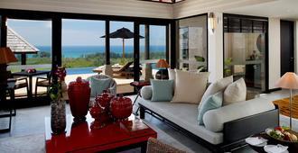 普吉岛爱亭阁酒店 - Choeng Thale - 客厅